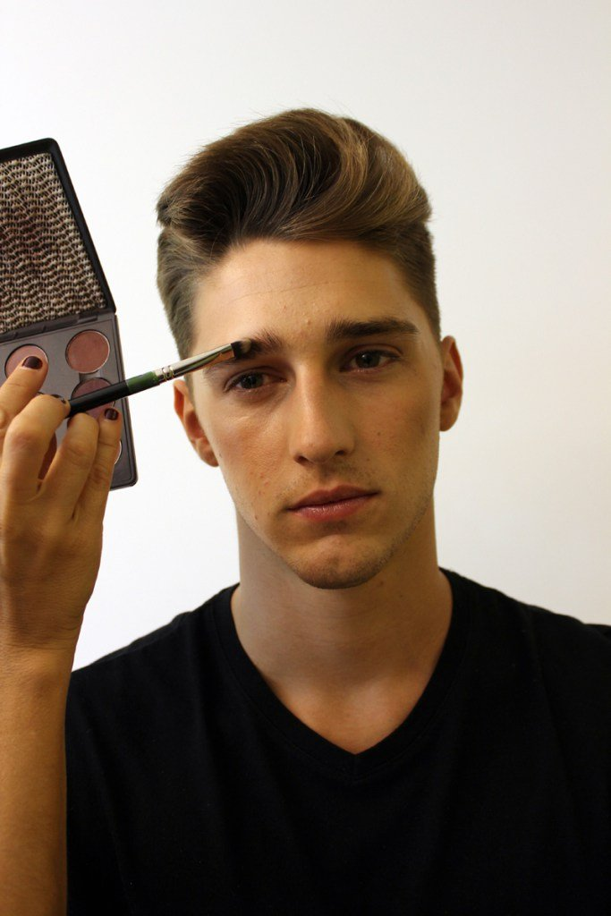 y estos son los consejos bsicos para realizar un maquillaje para hombres natural y adaptado a sus rasgos ms