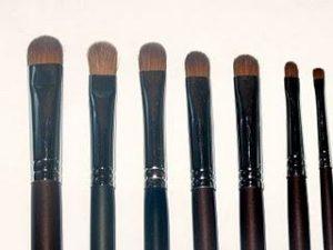 brocha maquillaje pelo de marta roja o kolinsky