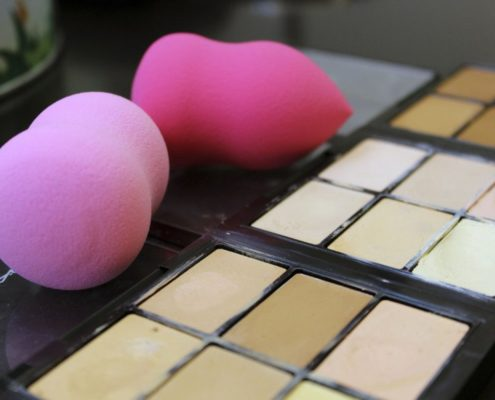 Clown Contouring Beauty Blender