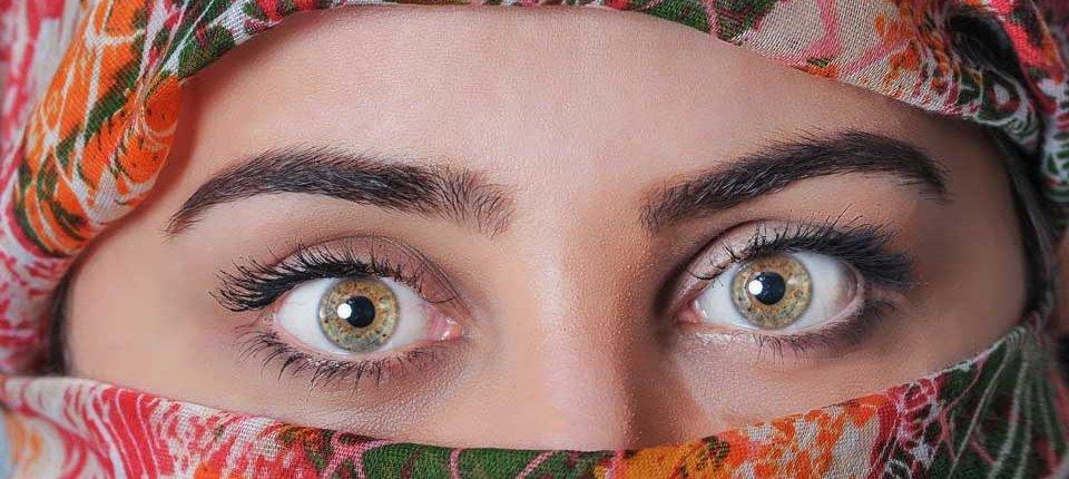 Cómo largar ojos redondos